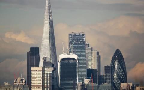 Βρετανία: Απέρριψαν προσφυγή κατά του πλαφόν σε τραπεζίτες