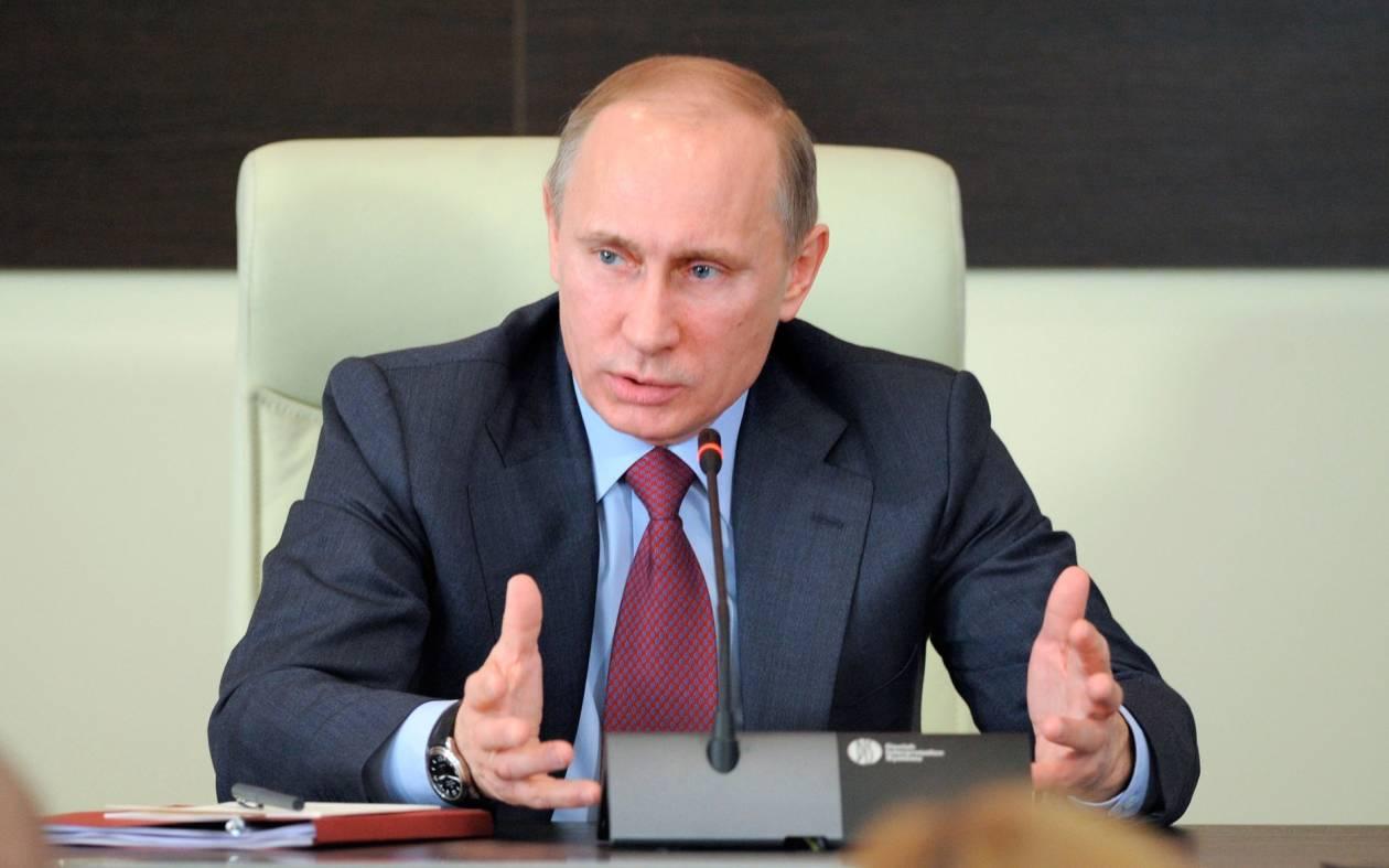 Πούτιν: Το παν για να μην έρθουν «χρωματιστές επαναστάσεις»