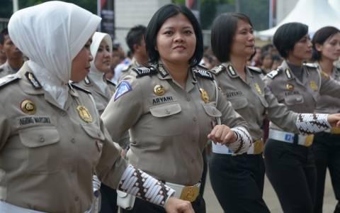 Γυναίκα αστυνομικός στην Ινδονησία; Μόνο παρθένα!