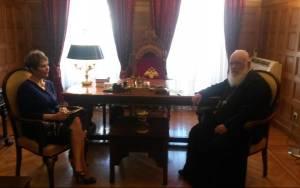 Ο Αρχιεπίσκοπος και η υφ. Υγείας σε δομές της «Αποστολής»