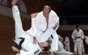 Όγδοο «νταν» στο καράτε για τον Πούτιν!