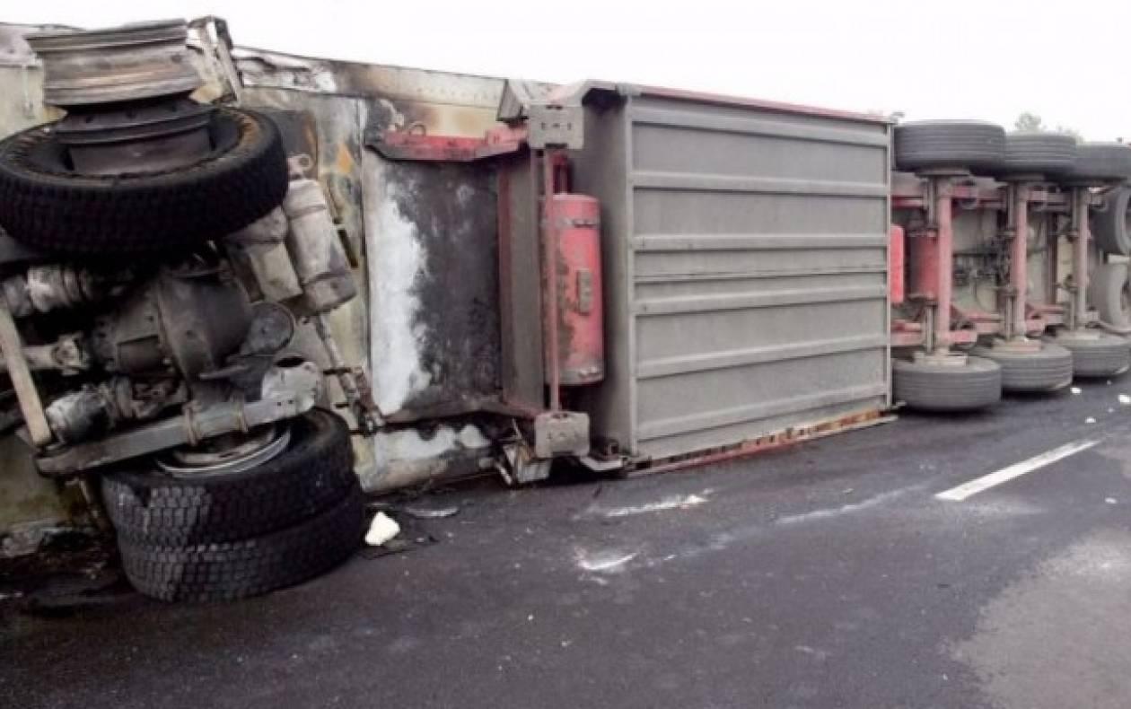 Κλειστή λόγω ανατροπής φορτηγού τμήμα της Εγνατίας Οδού