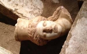 Μενδώνη - Αμφίπολη: «Δεν ήταν ταριχευμένος ο νεκρός»