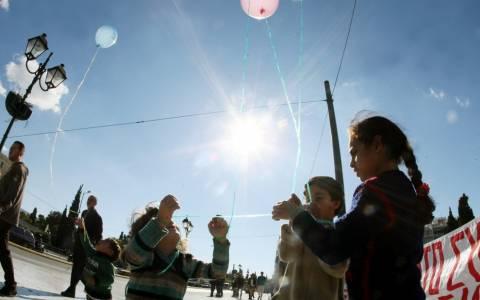 Για πέμπτη ημέρα στο Σύνταγμα οι Σύροι