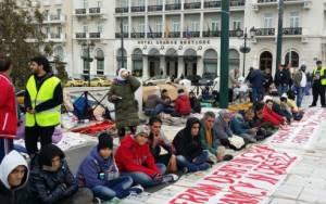 Απεργία πείνας Σύρων στο Σύνταγμα