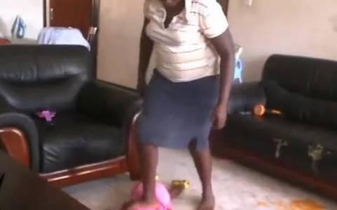 Αποκρουστικό: Νταντά κακοποιεί βάναυσα 2χρονο «αγγελούδι»