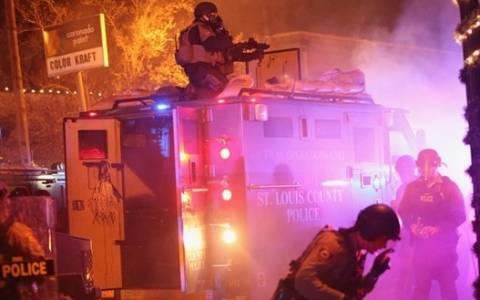 Χάος στους δρόμους του Φέργκιουσον - Δείτε LIVE