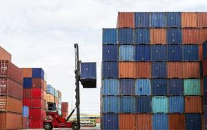 ΕΛΣΤΑΤ: Αύξηση ελλείμματος εμπορικού ισοζυγίου