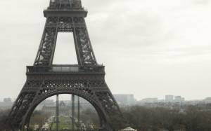 Κρίσιμες διαπραγματεύσεις κυβέρνησης-Τρόικα στο Παρίσι