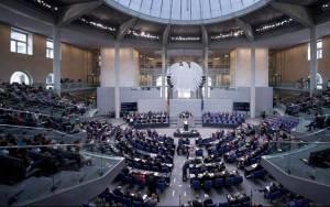 DW:Το Βερολίνο αισιοδοξεί για διαπραγματεύσεις με Τρόικα