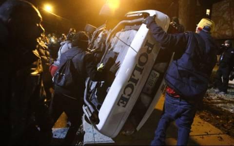 Φέργκιουσον: 44 συλλήψεις τη δεύτερη νύχτα επεισοδίων