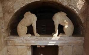 Reuters: Η Αμφίπολη δίνει στους Έλληνες ελπίδα