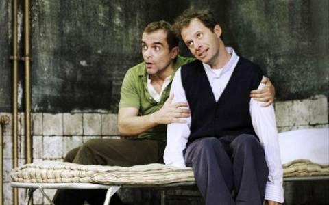 Ο Πουπουλένιος: Η επιτυχία συνεχίζεται στο θέατρο Αθηνών