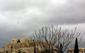 Καιρός: Χειμωνιάτικο το σκηνικό με βροχές και καταιγίδες