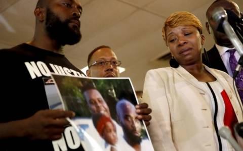 Φέργκιουσον: Οι γονείς του Μάικλ Μπράουν στο CNN