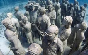Ταξιδέψτε στο υποβρύχιο μουσείο γλυπτών στο Κανκούν