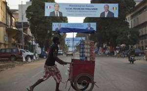 Έμπολα: Στη Γουινέα ο Ολάντ