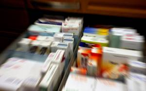 «Εγκληματική» ενδεχόμενη αύξηση του ΦΠΑ στα φάρμακα