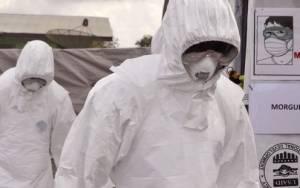 Πλησιάζουν τους 7.000 οι νεκροί από τον Έμπολα