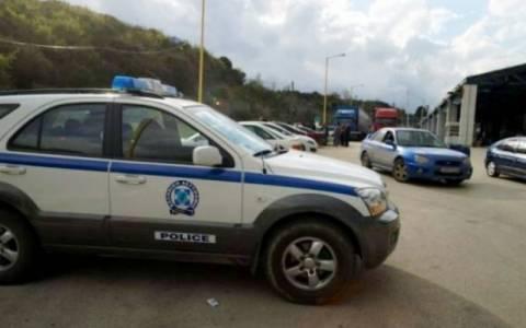 Μπλόκο στο Κρυονέρι – Τέσσερις συλλήψεις αλλοδαπών