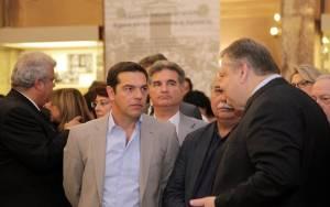 Παρτίδα πόκερ η συνάντηση Βενιζέλου-Τσίπρα…