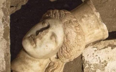 Αμφίπολη - Ο Ρίτσαρντ Νιβ για το πρόσωπο του νεκρού