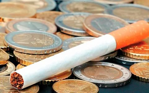 Νέα επιβάρυνση φόρου στα τσιγάρα εξετάζει η κυβέρνηση