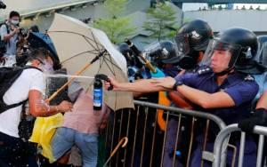Χονγκ Κονγκ: Υποχωρούν οι διαδηλωτές