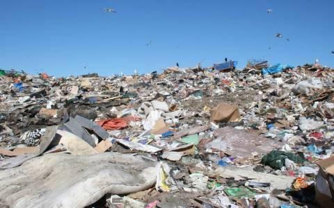 Βαριά «καμπάνα» στην Ελλάδα για τις παράνομες χωματερές