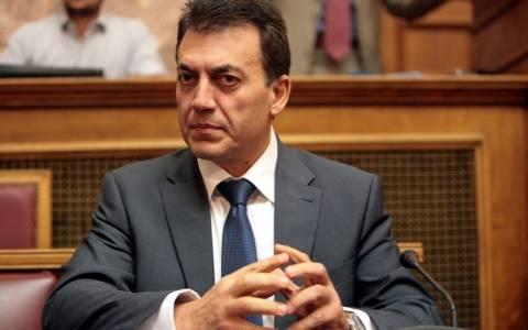 Βρούτσης: Διαψεύδει αντιπολίτευση για κατώτατη σύνταξη