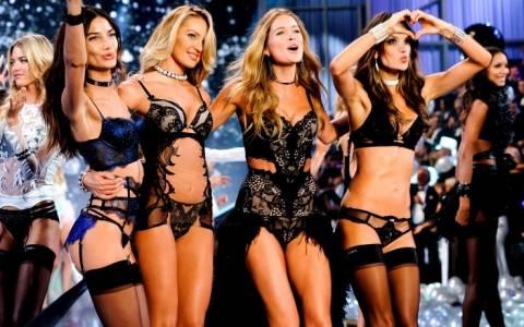 Το «καυτό» σόου της Victoria΄s Secret στο Λονδίνο (video)