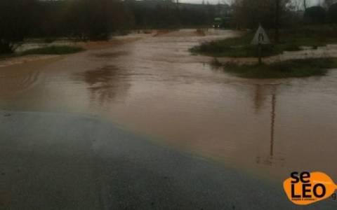 Εικόνες καταστροφής από την υπερχείλιση του ποταμού Γαλλικού