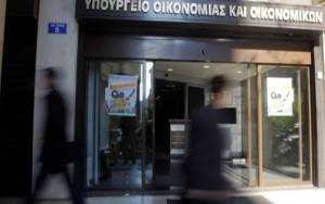 Reuters: Η Τρόικα επιμένει για 6μηνη παράταση μνημονίου