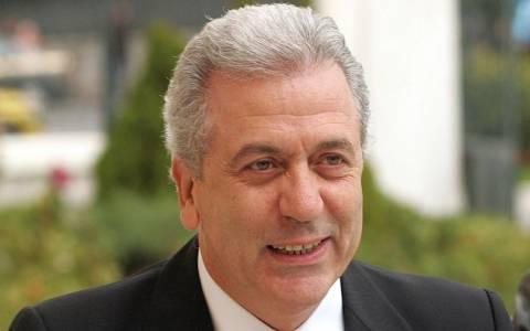 Αβραμόπουλος: Nέα πολιτική για τη νόμιμη μετανάστευση