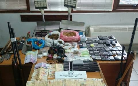 Εξαρθρώθηκε σπείρα εμπόρων ναρκωτικών στην Πελοπόννησο