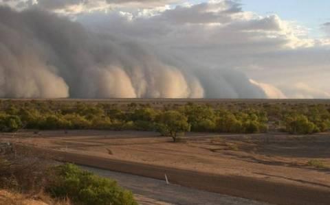 Αυστραλία: Σκονοθύελλα έκανε τη μέρα… νύχτα!