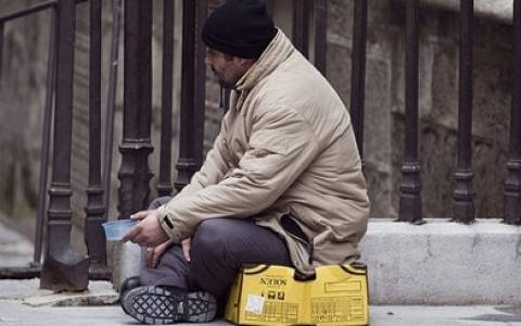 Ανοίγει η ψαλίδα πλούσιων-φτωχών στην Ισπανία