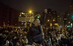 ΗΠΑ: Αυξάνεται η οργή για την αστυνομική βία εναντίον μαύρων