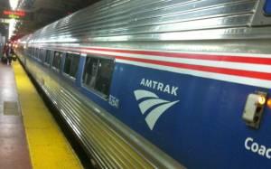 ΗΠΑ: Άγνωστος επιτέθηκε με μαχαίρι σε επιβάτες τρένου