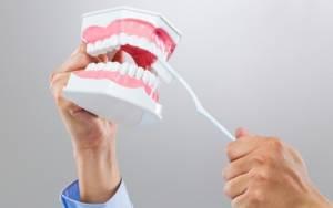 Ομαλός λειχήνας στόματος: Τι είναι και πώς αντιμετωπίζεται