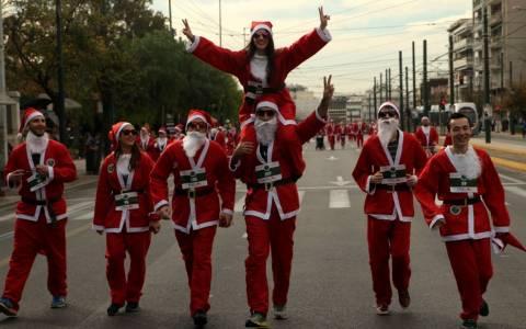 Οκτακόσιοι Αϊ Βασίληδες στο 1ο Athens Santa Run!