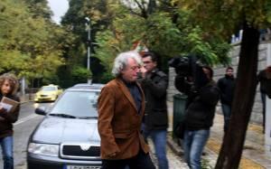 Στο Μαξίμου για το ραντεβού με τον πρωθυπουργό ο Γ. Ρωμανός