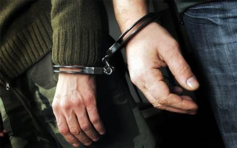 Σύλληψη δύο ατόμων με μεγάλη ποσότητα ψευδεπίγραφων φαρμάκων