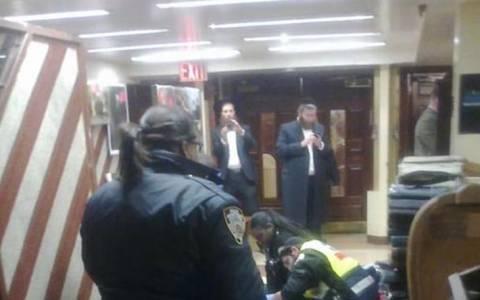 Επίθεση σε συναγωγή στις ΗΠΑ: Μαχαίρωσε Εβραίο στο κεφάλι