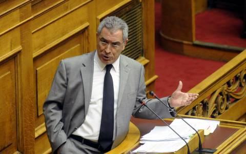 Καπερνάρος: Πολιτικά αδρανές υλικό ο Δήμας