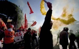 Συγκρούσεις σε Τορίνο και Μιλάνο