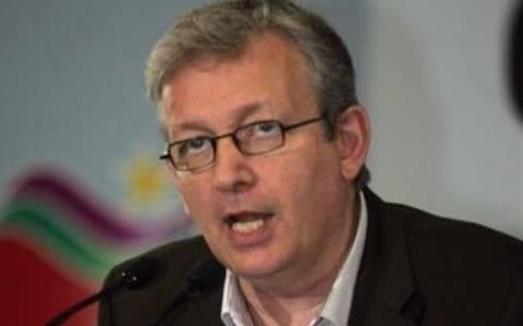 Π.Λοράν: Καταδικάζει τις παρεμβάσεις στα πολιτικά της Ελλάδα