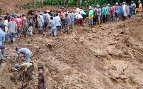 Ινδονησία: 24 νεκροί από την κατολίσθηση στην Ιάβα