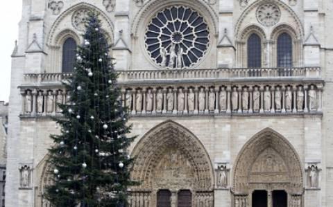Η...διπλωματία του χριστουνεννιάτικου δέντρου
