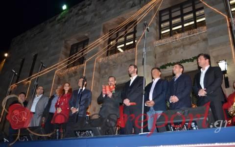 Ζωντάνεψε από κόσμο η πλατεία Δημαρχείου στη Ρόδο